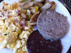 nicht-vegetarisches Frühstück